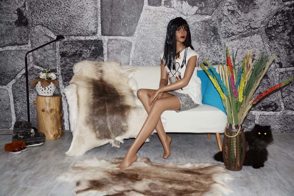 pelzdecken discount rentierfell g nstig. Black Bedroom Furniture Sets. Home Design Ideas